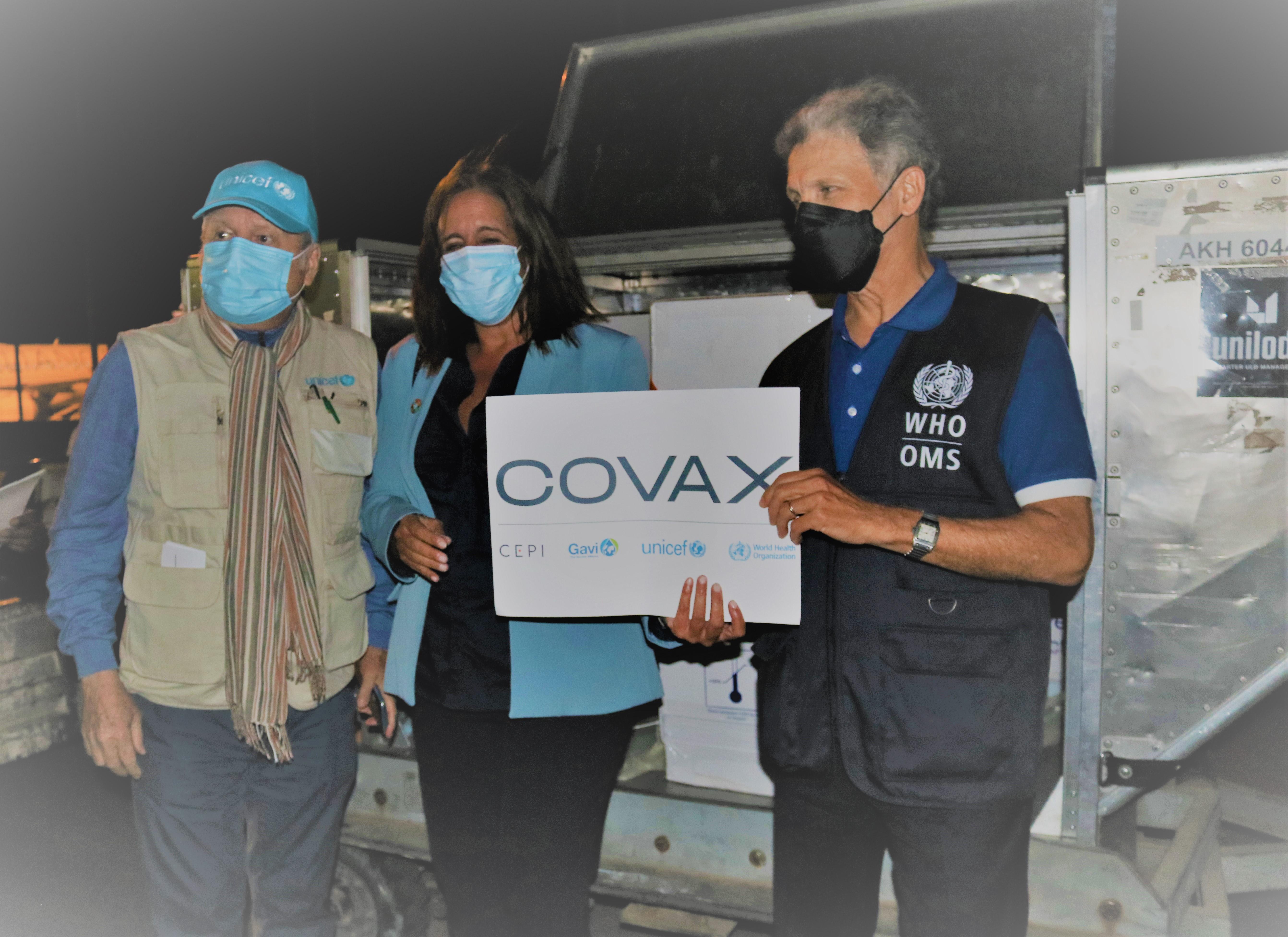 Primeiro lote de vacinas contra COVD-19 chegam a Cabo Verde